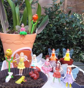 My Fairy Garden Lily Fairy has fun with friends